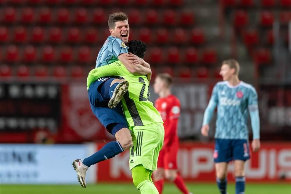 Klaas Jan Huntelaar bezorgt Ajax de winst in Enschede; image source: Pro Shots