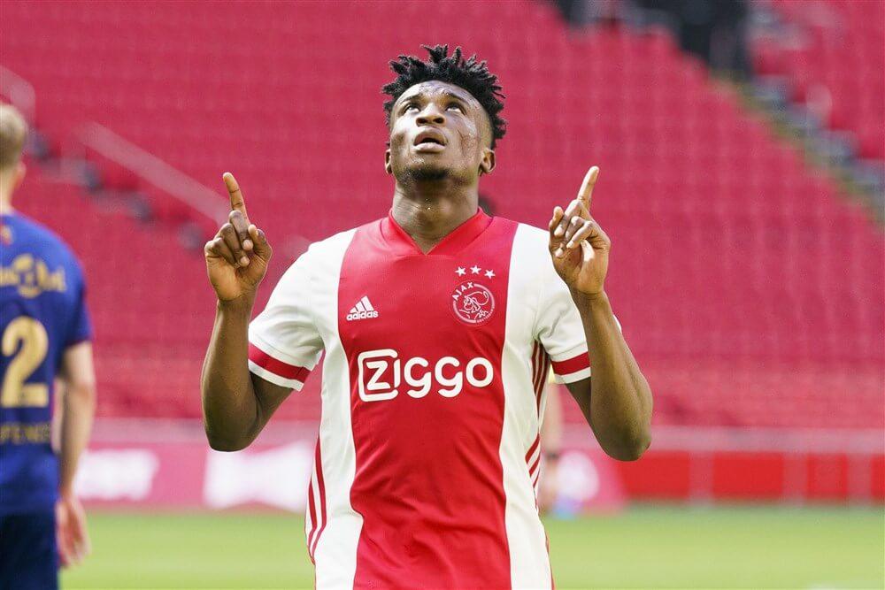 Ajax doet sportieve plicht: met tien man op gemak langs degradant VVV; image source: Pro Shots