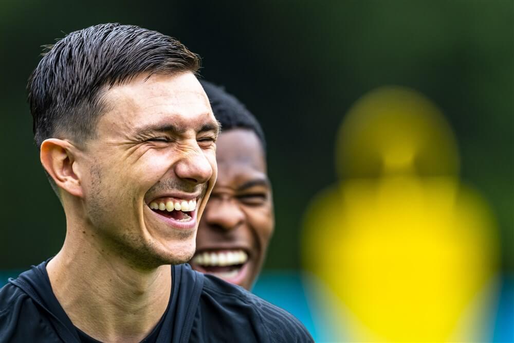 """""""Ajax en Feyenoord akkoord over transfer Steven Berghuis""""; image source: Pro Shots"""