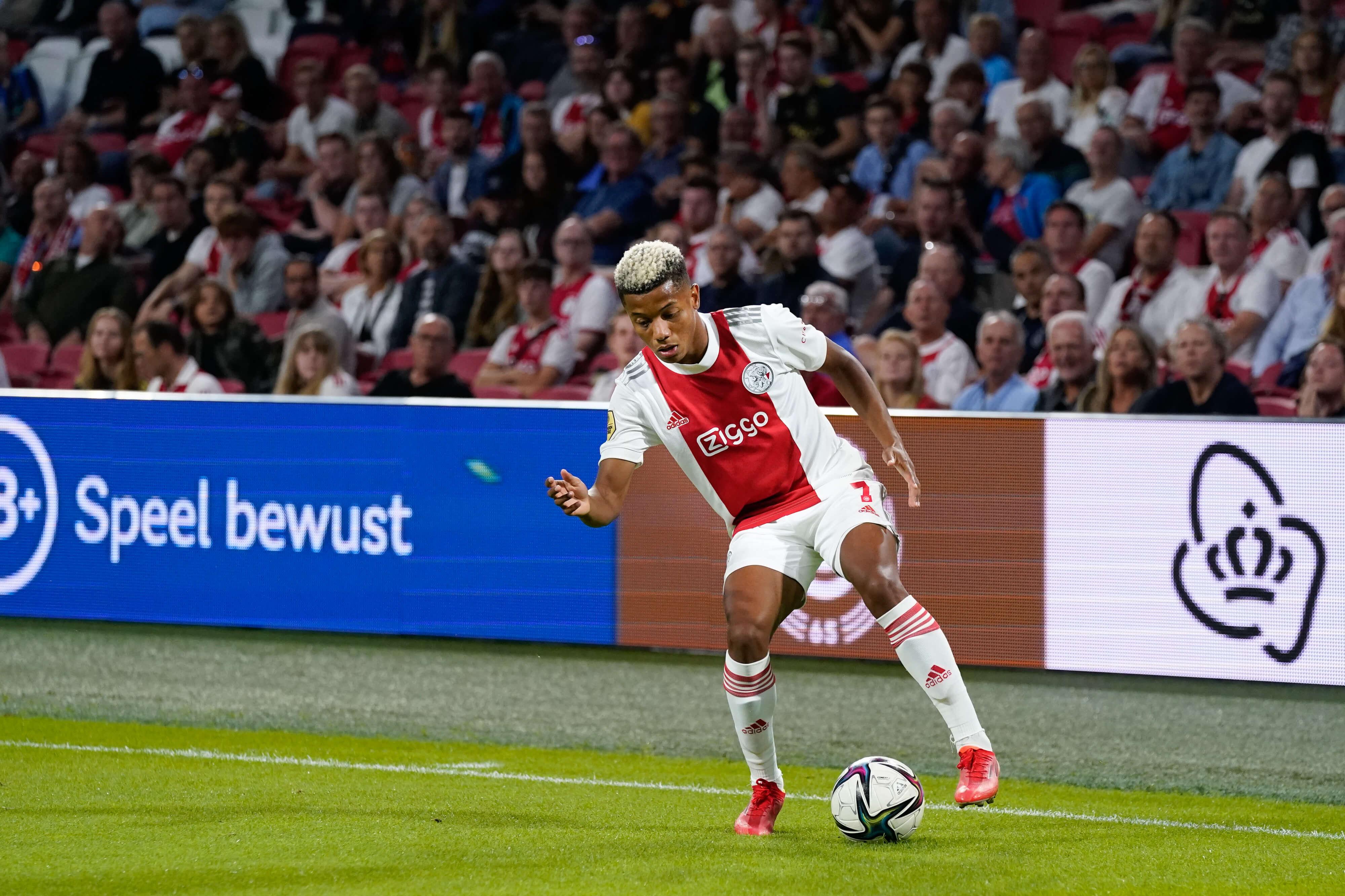 """""""David Neres blijft bij Ajax, clubs willen niet voldoen aan vraagprijs""""; image source: Pro Shots"""