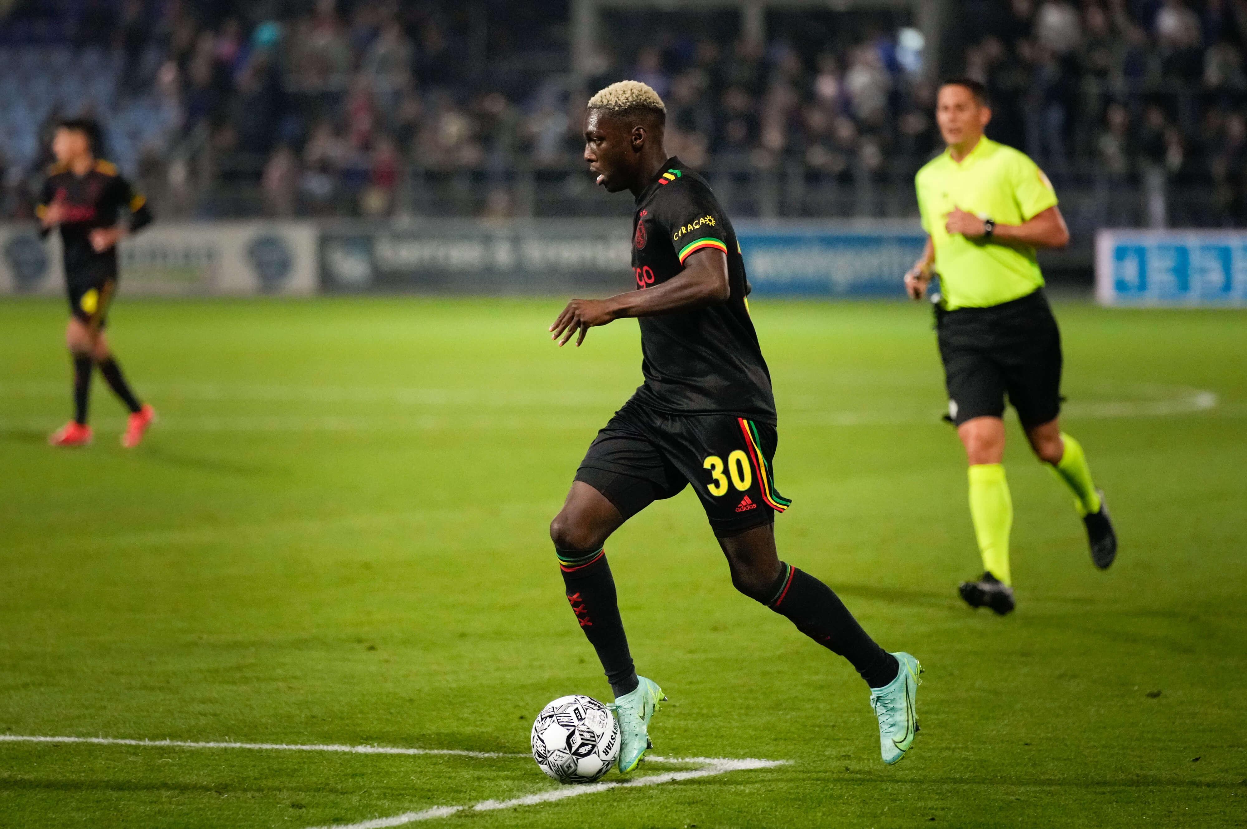 Twee doelpunten Sébastien Haller maskeren zwakke beurt Ajax in Zwolle: 0-2; image source: Pro Shots