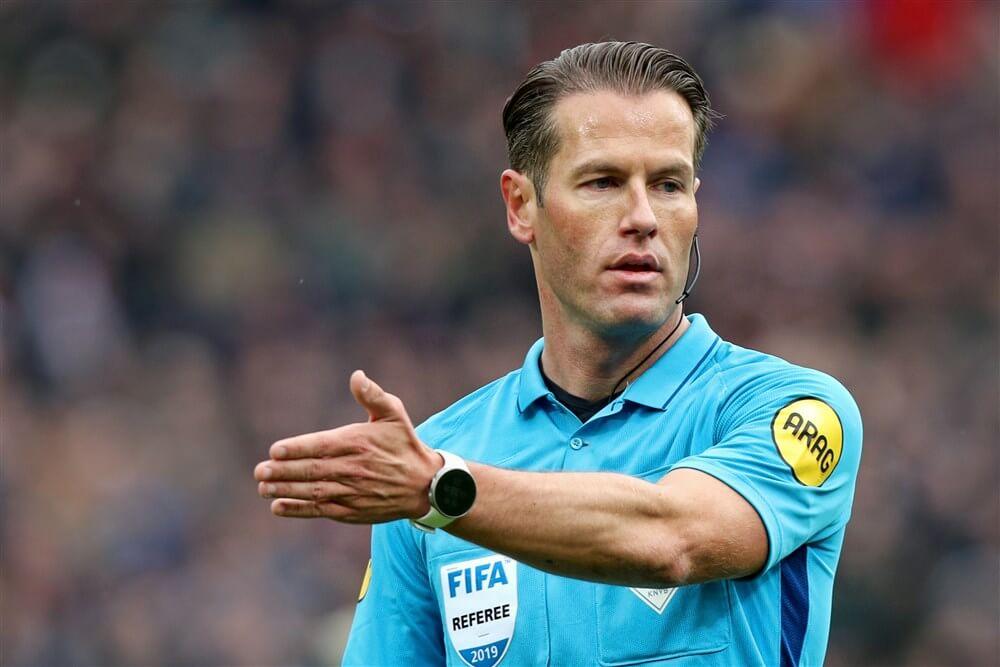 AD: Martinez kreeg terecht geen (rode) kaart tegen PSV; image source: Pro Shots