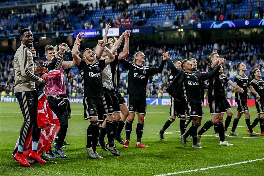 """""""KNVB opnieuw bereid mee te denken met Ajax, speelschema zit echter muurvast""""; image source: Pro Shots"""