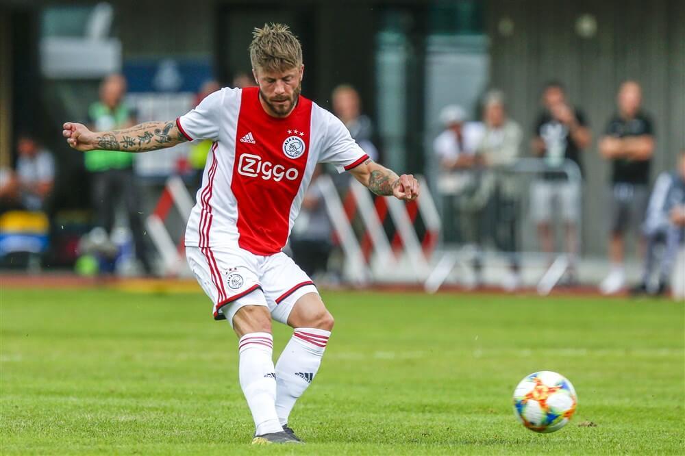 """""""Lasse Schöne tekent voor twee jaar bij Genoa""""; image source: Pro Shots"""