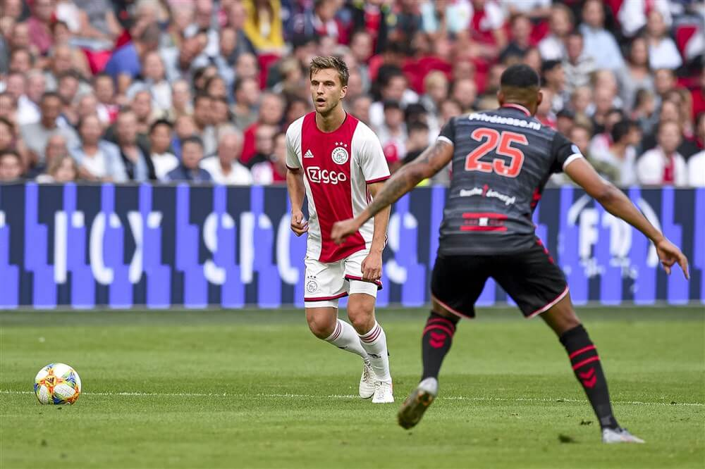 """Ajax in gesprek met Joël Veltman over nieuwe contract""; image source: Pro Shots"