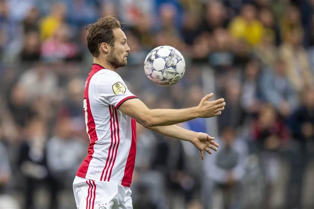 """""""Spelersgroep Ajax wil Daley Blind weer in centrum van verdediging""""; image source: Pro Shots"""