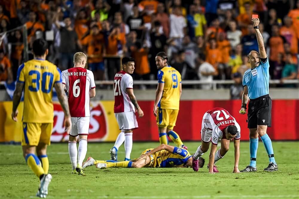 Noussair Mazraoui automatisch voor wedstrijd geschorst na twee keer geel in Nicosia; image source: Pro Shots