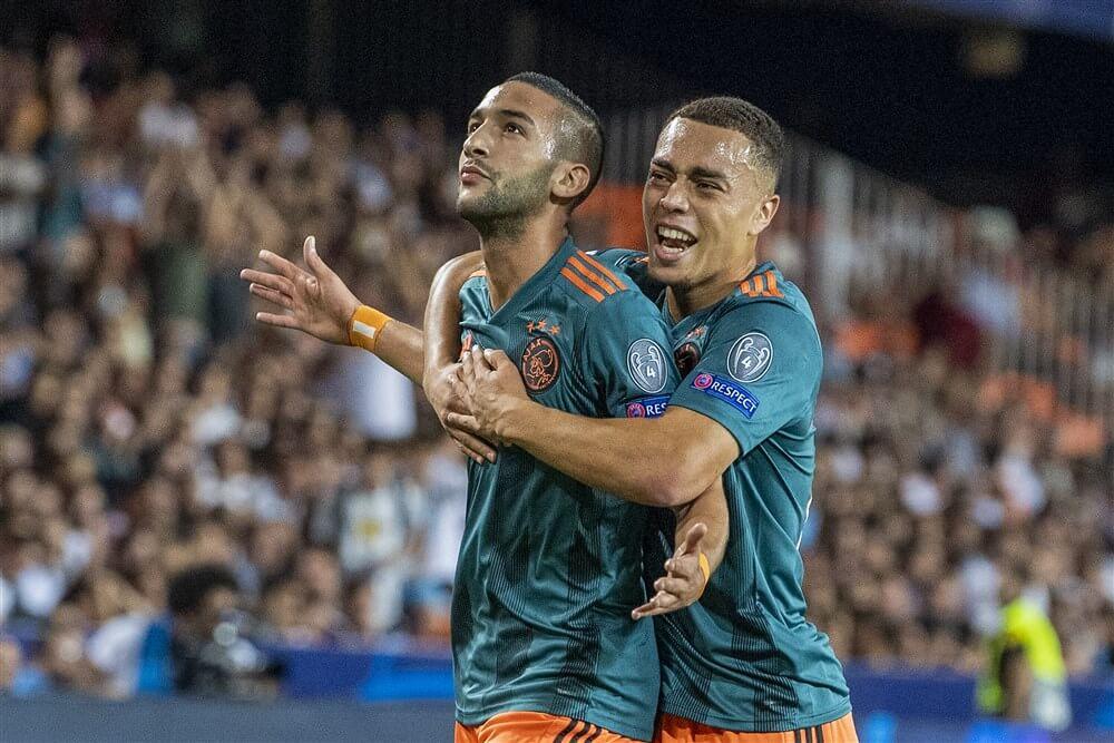 Hakim Ziyech wederom Ajax-speler van het jaar, Sergiño Dest grootste talent; image source: Pro Shots