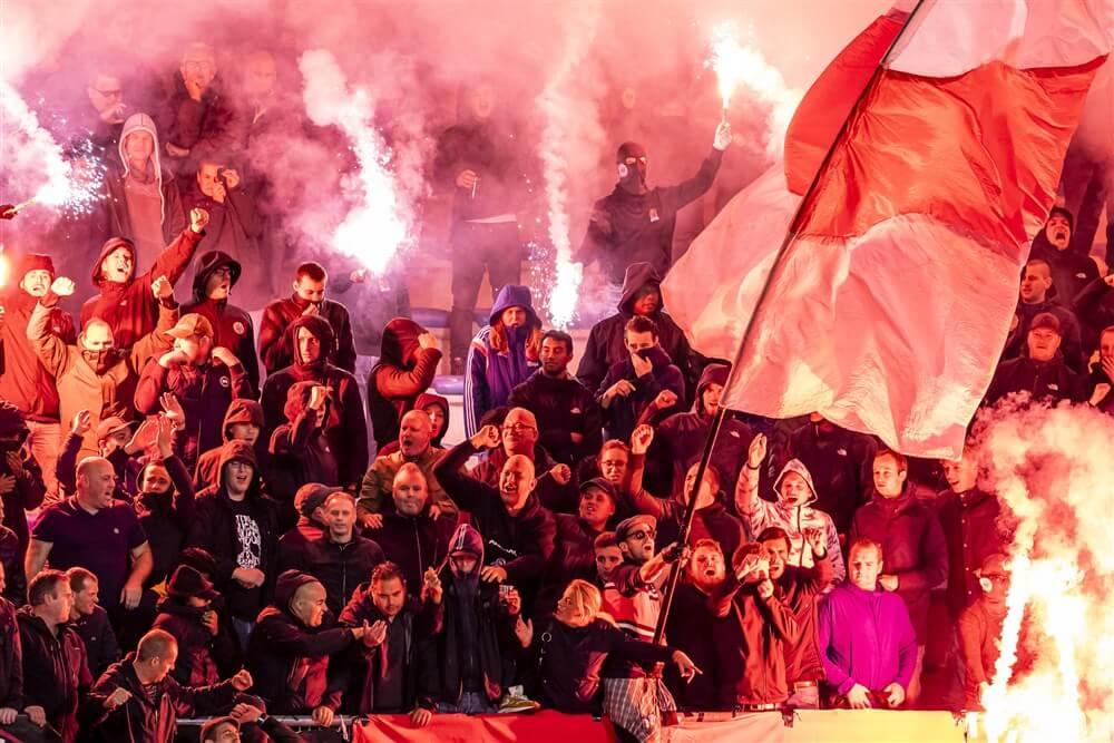 """Ajax Supporters Delegatie: """"Zie af van compensatie""""; image source: Pro Shots"""