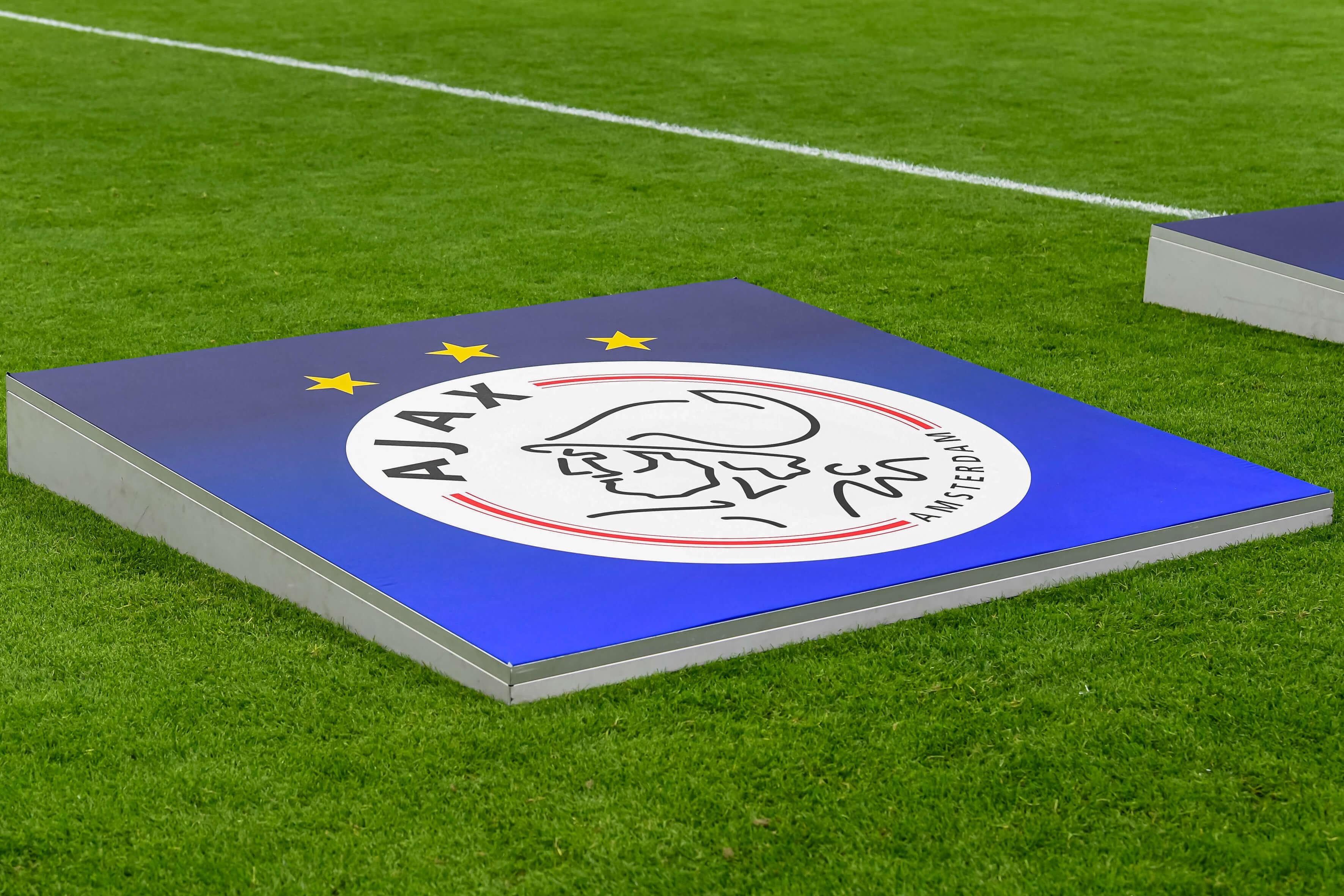 Ajax schakelt FIFA in voor hulp om transfer Giovanni af te kunnen ronden; image source: Pro Shots