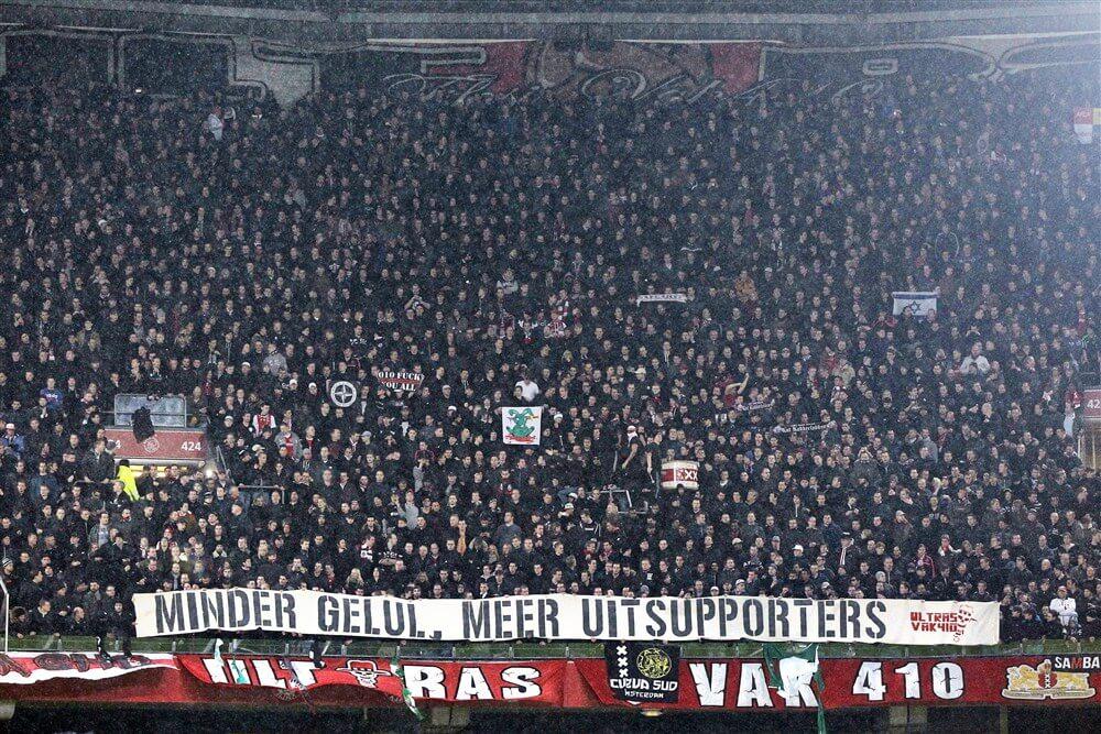 """""""Supporters Ajax welkom bij eventuele bekerfinale tegen Feyenoord""""; image source: Pro Shots"""