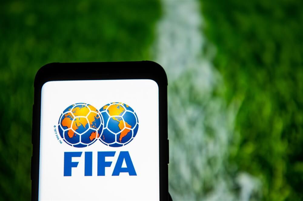 """Voorstel FIFA: """"Aflopende contracten langer laten doorlopen""""; image source: Pro Shots"""