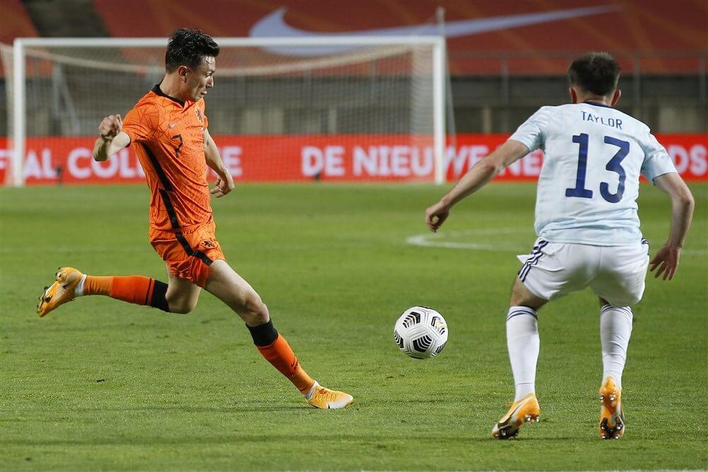 Hopeloos Oranje met invaller Steven Berghuis gelijk tegen Schotland; image source: Pro Shots