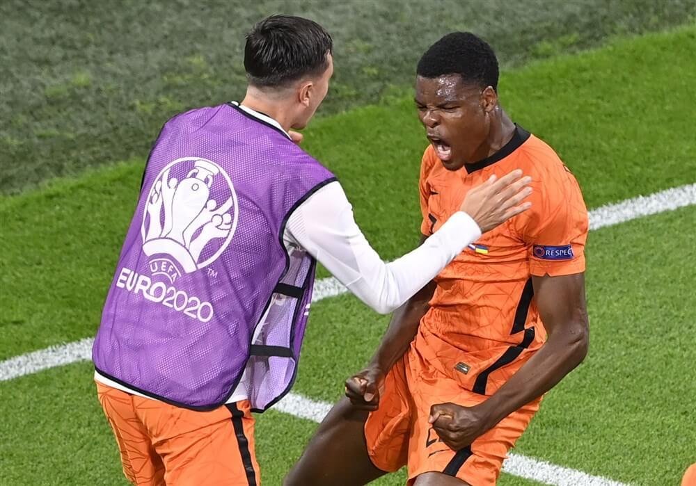 Nederland wint weer, opnieuw geen speeltijd voor Steven Berghuis; image source: Pro Shots