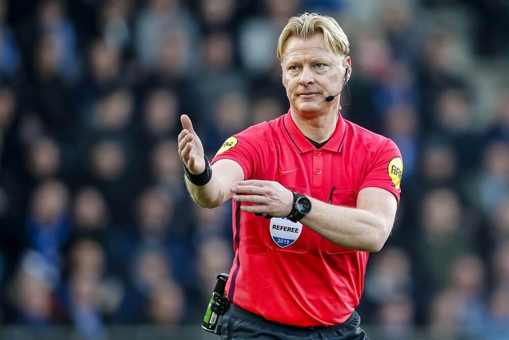Kevin Blom scheidsrechter tijdens halve finale tegen Ajax; image source: Pro Shots