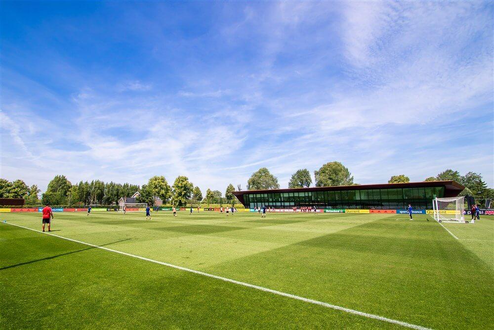 """Statement Feyenoord: """"Onacceptabel dat binnen de Academy mensen met een grote staat van dienst worden beschadigd""""; image source: Pro Shots"""