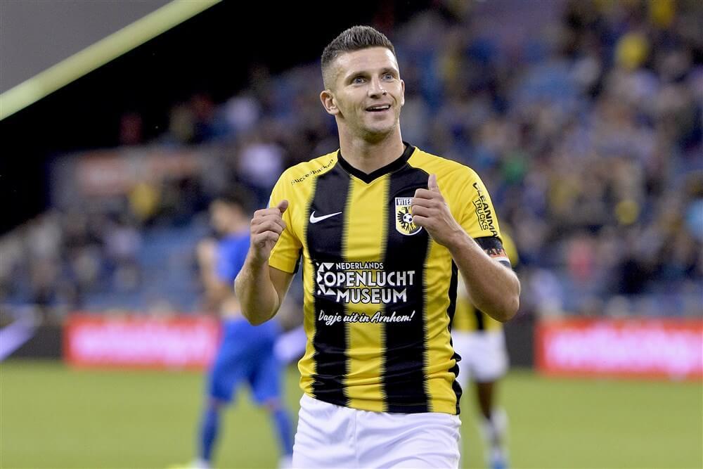 """""""Bryan Linssen doorstaat medische keuring en tekent voor twee jaar bij Feyenoord""""; image source: Pro Shots"""