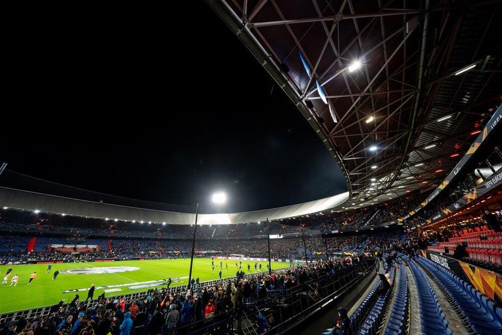 Opnieuw onderzoek UEFA vanwege afsteken vuurwerk; image source: Pro Shots
