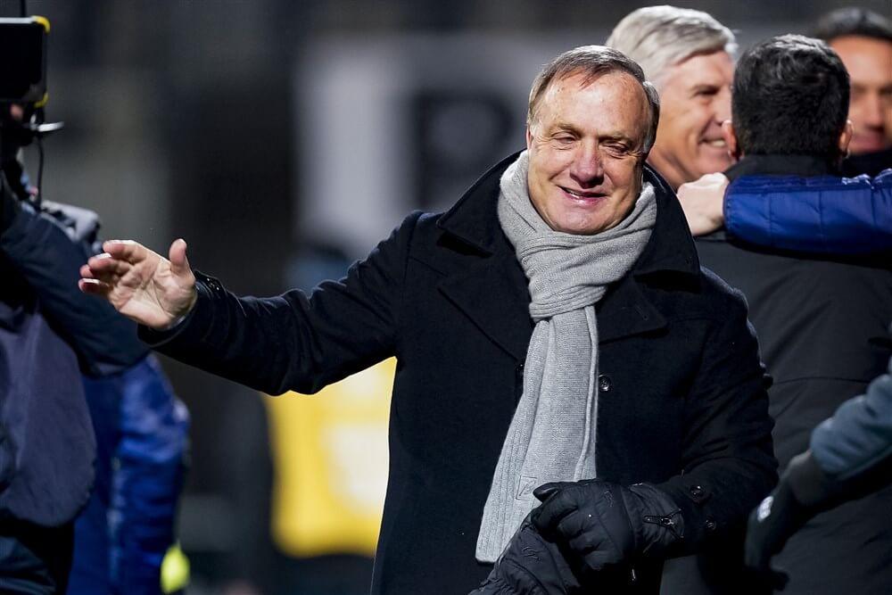 """""""Selectie Feyenoord hoopt op langer aanblijven van Dick Advocaat""""; image source: Pro Shots"""