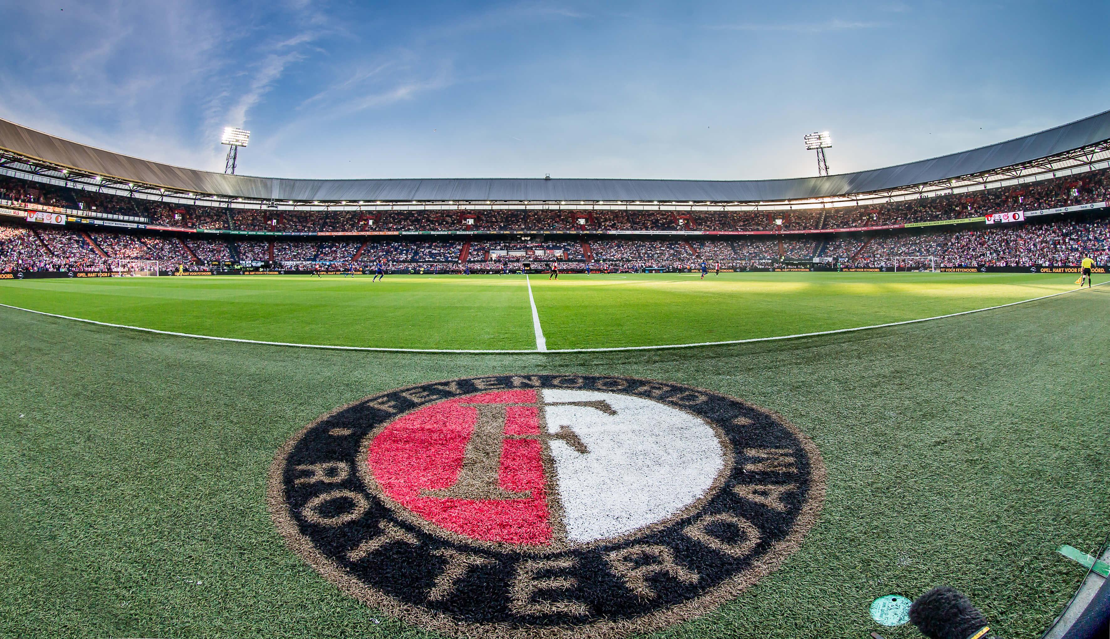 """""""Nieuwe stadion Feyenoord krijgt vast dak en spelerstunnel""""; image source: Pro Shots"""