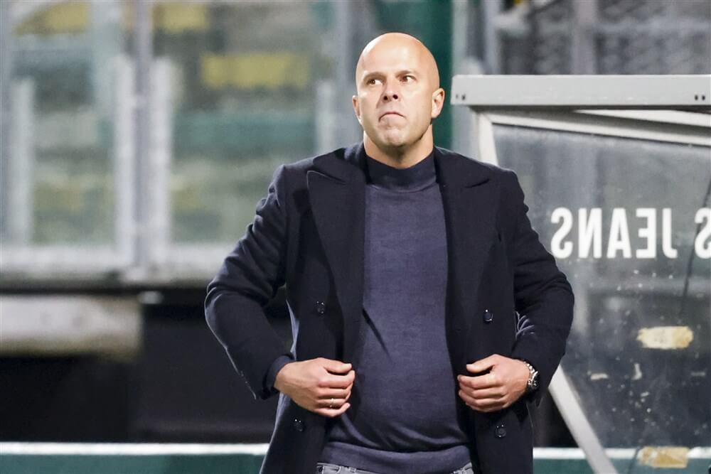 AZ ontslaat Arne Slot vanwege gesprekken met Feyenoord; image source: Pro Shots