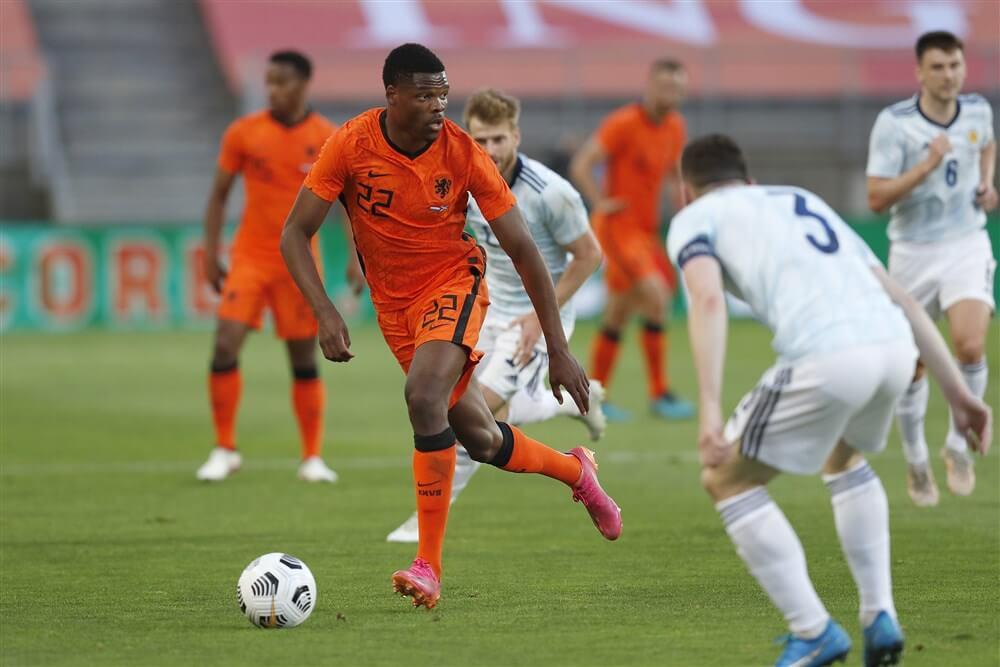 Denzel Dumfries met zwak Oranje gelijk tegen Schotland; image source: Pro Shots
