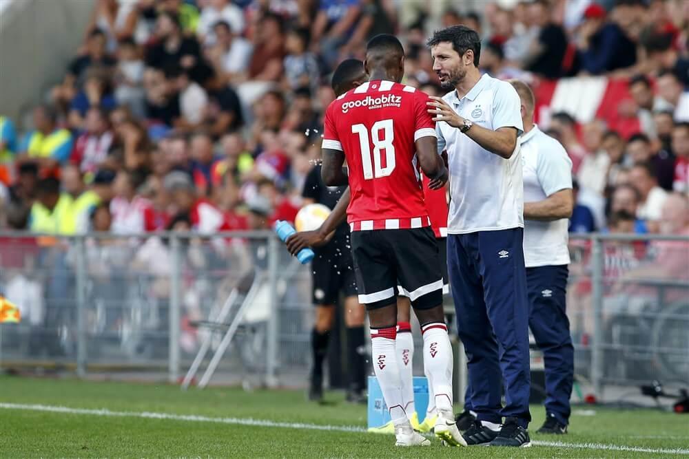 """Mark van Bommel: """"Samen met Pablo Rosario tot de conclusie gekomen om hem te ontlasten""""; image source: Pro Shots"""