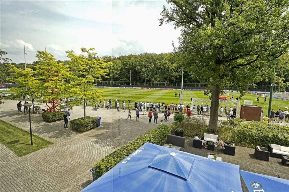 PSV onderuit in oefenduel tegen Waasland-Beveren; image source: Pro Shots