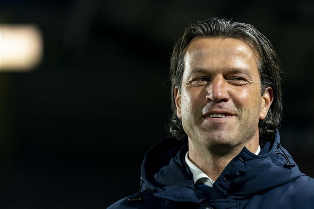 """""""Ernest Faber maakt seizoen af als trainer, nieuwe hoofdtrainer pas vanaf volgend seizoen""""; image source: Pro Shots"""
