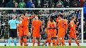 Teleurstellend Oranje zonder PSVers gelijk tegen Noord-Ierland en zeker van EK